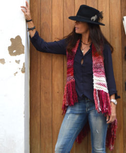 boho-knit-vest-in-red-handmade-ibiza-trendy