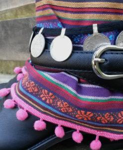 botas-cowboy-decoradas-con-monedas-boho-ibiza
