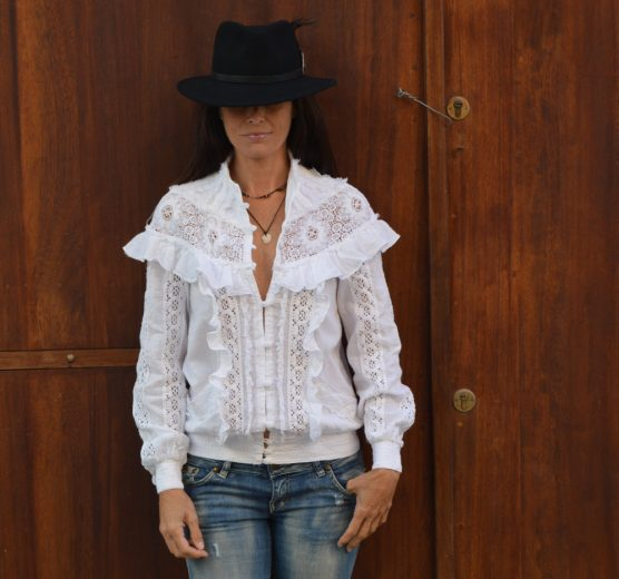 camisa-victoriana-chorreras-tipo-chaqueta-tony-bonet-adlib-2