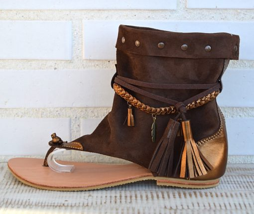 sandalias botas ibiza trendy piel marron borlas