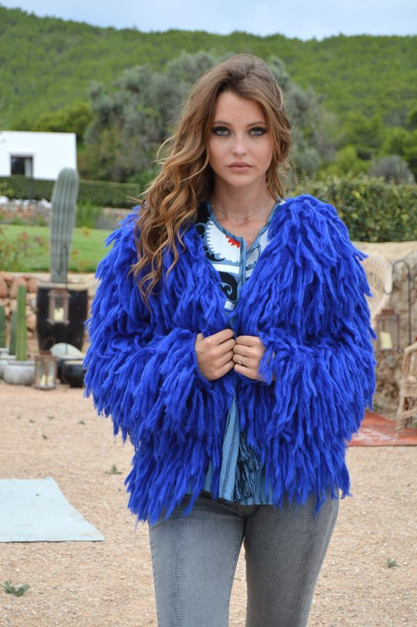 chaqueta pelo azul ibiza trendy boho