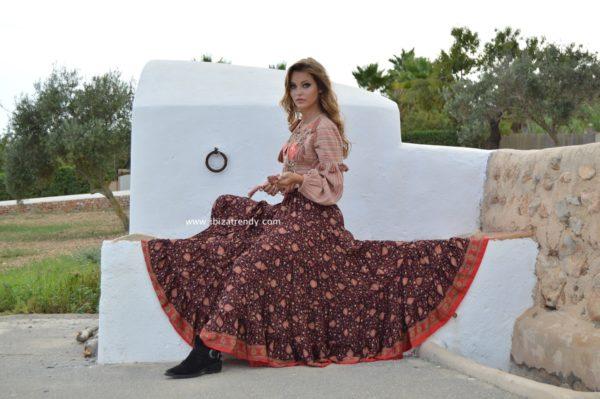 falda free love larga negra y roja